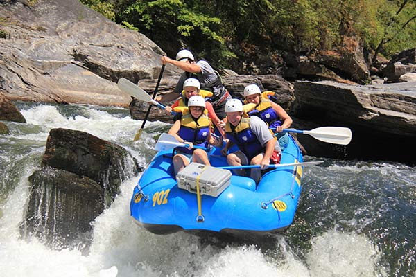 white water rafing
